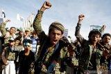Al-Houthi serang bandar udara di Arab Saudi