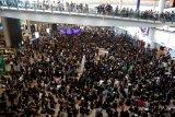 China perintahkan Cathay Pacific skors staf pendukung terlibat protes di Hong Kong