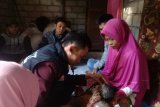 ACT NTB bantu  pengobatan bayi menderita meningensofalokel