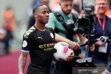 Sterling didukung jadi penyerang tengah Manchester City