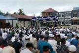 Pangkoarmada III serahkan sapi kurban kepada PHBI Sorong
