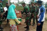 Kodim 0314/Inhil serahkan bantuan kepada 12 KK korban Karhutla