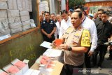 Polisi gagalkan penyelundupan jutaan produk ilegal