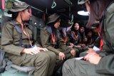 Siswa Mengenal Nusantara Sulteng diberikan pengetahuan alat tempur  Panser Anoa