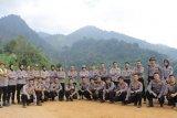 Polda Lampung tanam pohon usai upacara 17 Agustus di puncak Gunung Rajabasa