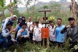 Mahasiswa UNS pasang alat peringatan dini longsor di Purbalingga
