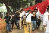 Polisi tangkap tujuh pendemo di depan Gedung DPR