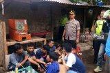 Penggerebekan kampung narkoba, polisi tangkap delapan orang