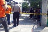 Densus 88 geledah rumah terduga teroris di  Banjarsari Solo