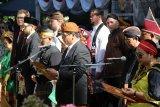 WNI  kenakan pakaian adat saat upacara HUT RI di Budapest