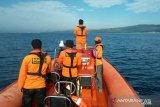 Empat korban kapal terbakar di Perairan Bokori belum ditemukan