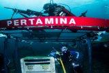 Pertamina gelar upacara bendara di bawah laut