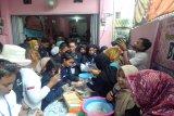 Peserta SMN Kalteng belajar membuat  pempek Palembang