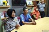 Polda Jabar berikan penghargaan pelajar bantu selamatkan polisi Cianjur