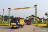 VIDEO - Peserta SMN Yogyakarta melihat proses pengolahan kelapa sawit Riau