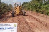 Jalan rusak di 18 kecamatan OKI, Sumsel terus diperbaiki
