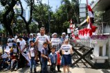 Iraqi refugees resume protest in front of UNHCR Jakarta Office