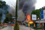 Aksi pembakaran dan perusakan fasilitas umum warnai demonstrasi di Fakfak Papua Barat