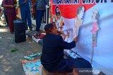 Pelantikan 45 anggota DPRD Kudus diwarnai unjuk rasa