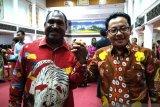 Bupati Puncak dan Wali Kota Malang sampaikan pesan damai dari Padang
