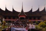 SMN asal Kalsel kagumi benda-benda bersejarah Minangkabau di Museum Adityawarman