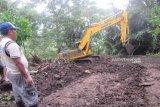Masyarakat Goreng Meni bangun jalan 2,5 km dengan dana desa