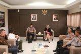 Polda Bali menerima kunjungan DFAT soal pelanggaran wisatawan Australia