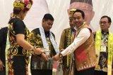 Masyarakat Dayak harus berperan dalam pembangunan nasional, kata Bupati Bartim