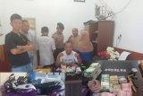 Tujuh paket sabu dan uang diamankan dari penggerebekan di Kayumalue