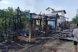 Api melalap satu restoran di Kuta Mandalika