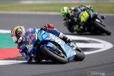Alex Rins senang bisa kalahkan dua legenda Rossi dan Marquez