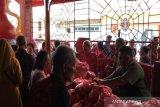 Yayasan Po Anthian  bagikan sembilan ton beras