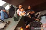 VIDEO - Serunya melihat pameran senjata tempur TNI/Polri di Pekanbaru