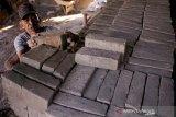 Produksi batu bata meningkat