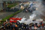 Polisi Hong Kong tembakkan gas air mata bubarkan massa prodem