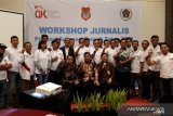 OJK fasilitasi peningkatan kompetensi jurnalis ekonomi Sulawesi Tengah
