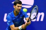 Meski cedera, mengatasi  rasa sakit, Djokovic ke putaran tiga