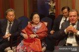 Megawati-mantan pemimpin dunia berbincang soal pemindahan ibu kota negara Indonesia
