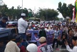 VIDEO - Ratusan umat muslim Riau turun ke jalan bela UAS