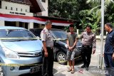 Diduga gelapkan dua unit mobil, Wilsuarman pasrah ditangkap Petugas Polsek Sungai Geringging