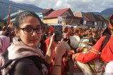 US students admire the natural beauty of West Sumatra