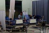 Empat karyawan keracunan makanan dirawat di RSUD Tamiang Layang
