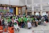 Jamaah haji kloter 42 asal Batang tiba Bandara Adi Soemarmo