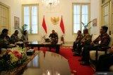 Saya tak akan tergesa-gesa putuskan 10 nama capim KPK, kata Jokowi