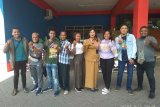 Pemandu wisata Raja Ampat disambut Disbudpar Malang dengan kekeluargaan