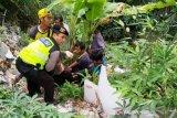Depresi ayahnya meninggal, siswi SMP di Bogor hendak bunuh diri dengan terjun ke sungai