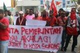 Papua Terkini - Puluhan mahasiswa Sorong protes pembatasan jaringan internet