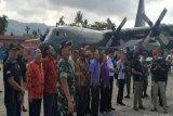 Panglima TNI dan Kapolri saksikan latihan penerjunan prajurit Kostrad