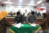 DPRD bersama Gubernur Sulsel tandatangani KUA-PPAS 2020
