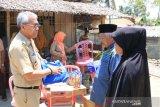 Bupati Lutim serahkan bantuan korban kebakaran dan penyandang disabilitas
